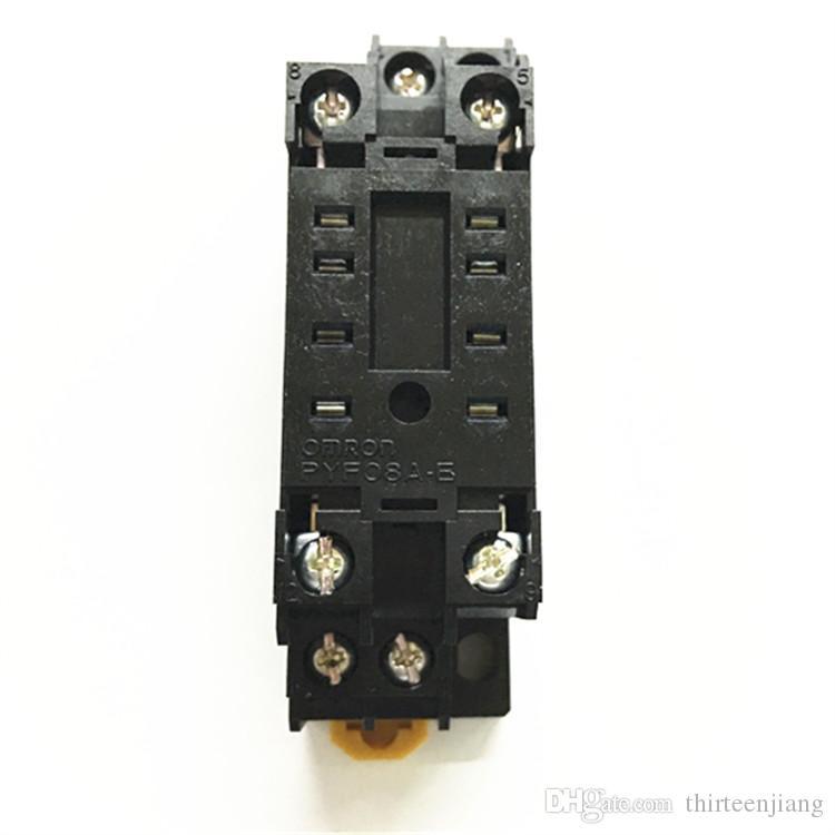 الكمية 100 لكل لوط الأصلي جديد في صندوق اومرون ترحيل مقبس PYF08A-E الشحن المعجل الشحن يمكن أن تكون مجهزة MY2N-GS MY2N-J