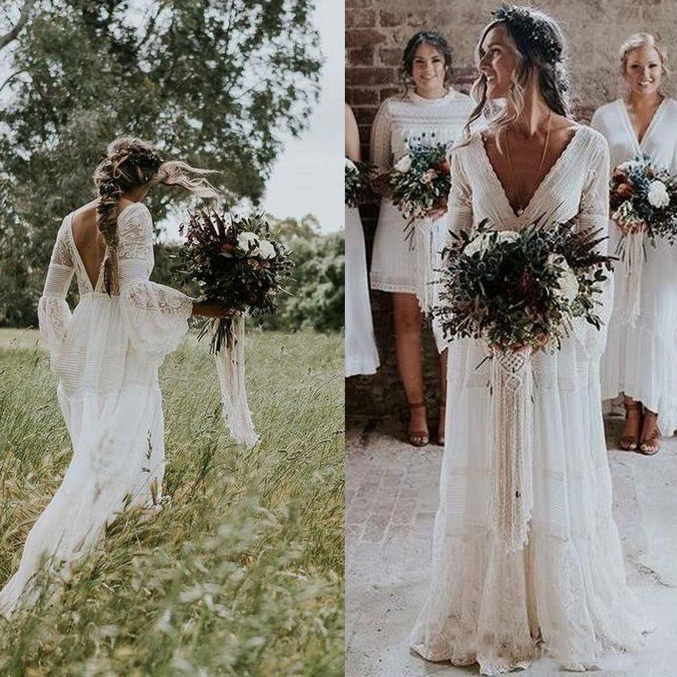 rustikale böhmische Brautkleider Hippies mit V-Ausschnitt Langarm-Spitze niedrige Rücken Strand Boho Garden Country Brautkleider Robe de Mariée Plus Size