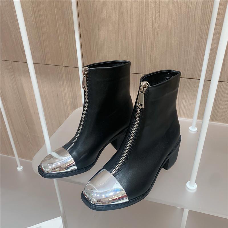 Высокие сапоги Повседневная обувь Женщины мотоциклов Boots Новые Botas Mujer Металл Украшение Передняя молния Женские Botas Mujer Длинные