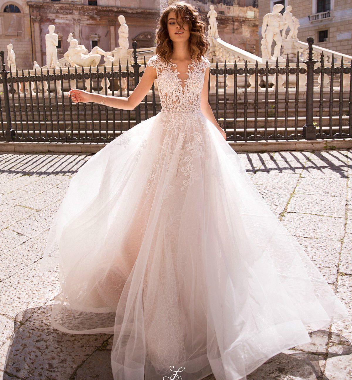 New Design Long Wedding Dress 2021 Jewel Neck Sleeveless A-Line Court Train Appliques Tulle Bridal Gowns Vestido de noiva longo