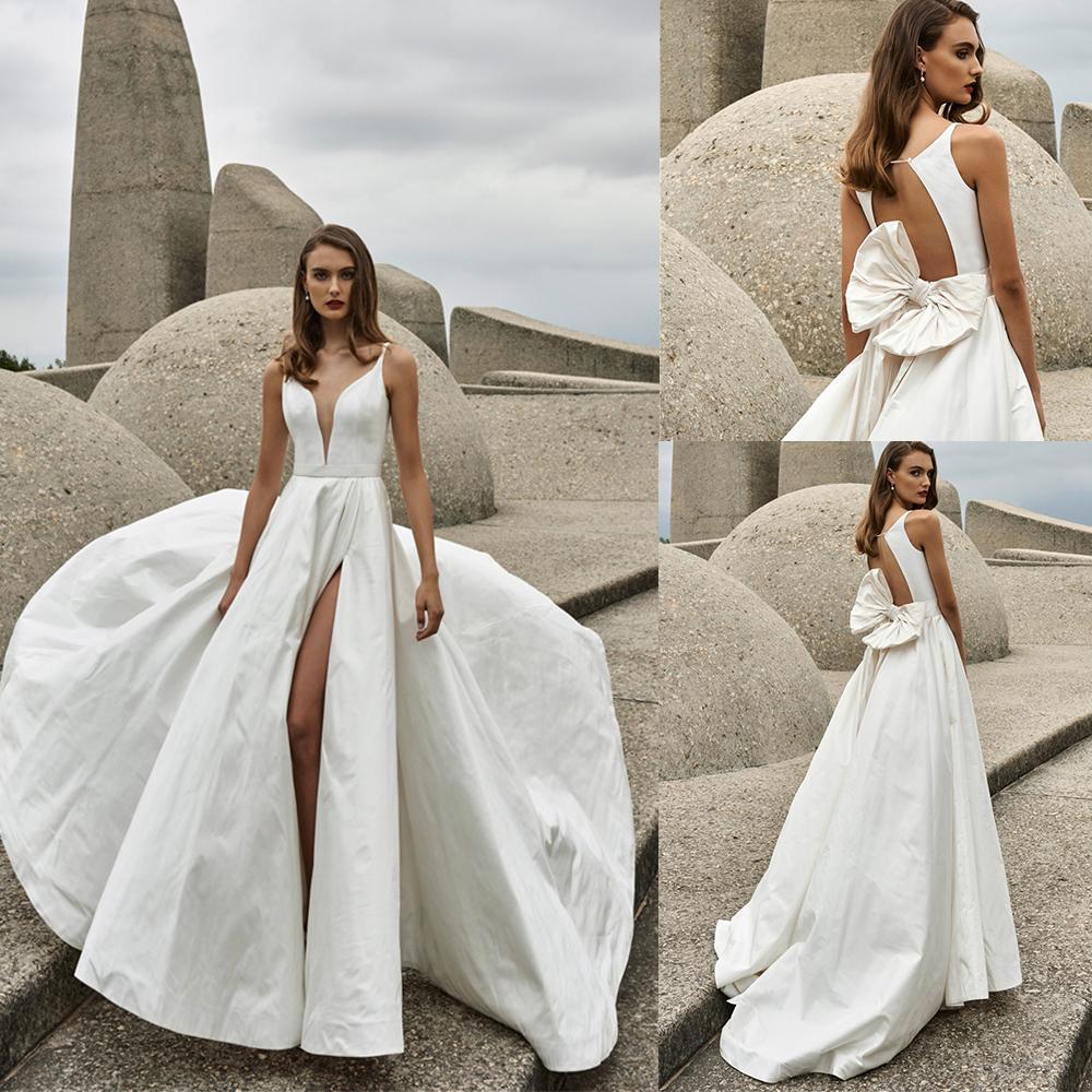 Elbeth Gillis A Line Wedding Dresses V Neck High Side Dividir Lace Satin Praia vestidos de noiva sem encosto Trem da varredura Wedding Dress Robe De Soiree