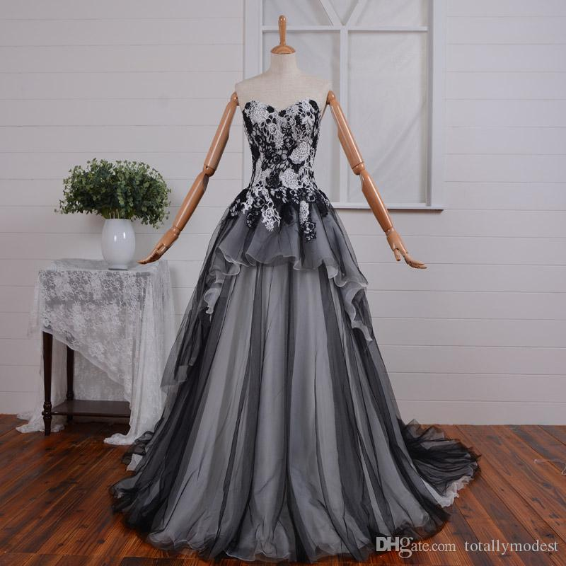 2019 Vintage Black and White Gothic Wedding Dress Corset Back Non White Bridal Gowns With Color Couture Custom Made