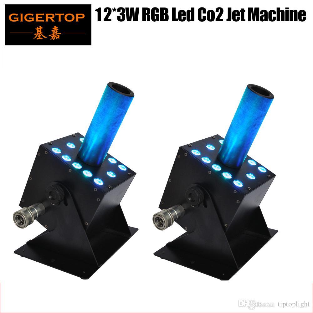 Freeshipping 2 x Los LED-Stadiums-Effekt-Maschine Neue Co2-Maschine 12x3W RGB Farbmischgas Stecker IN / OUT Anschluss DMX 7 Kanäle 250W