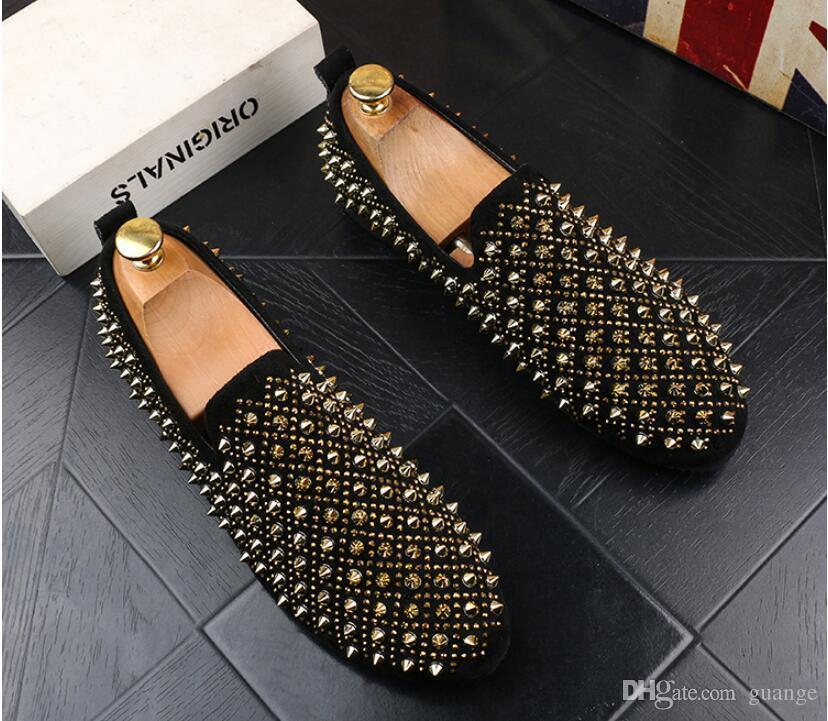 Zapatos para hombres Luxurys remache de oro Cuero genuino Conducción casual Oxfords Zapatos planos Mocasines para hombre Mocasines Zapatos italianos