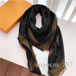 네 잎 클로버 스카프 스카프의 경우 여성의 여러 사용 유명한 목도리 스카프 4 색 크기 140x140cm 선물 상자와 높은 품질