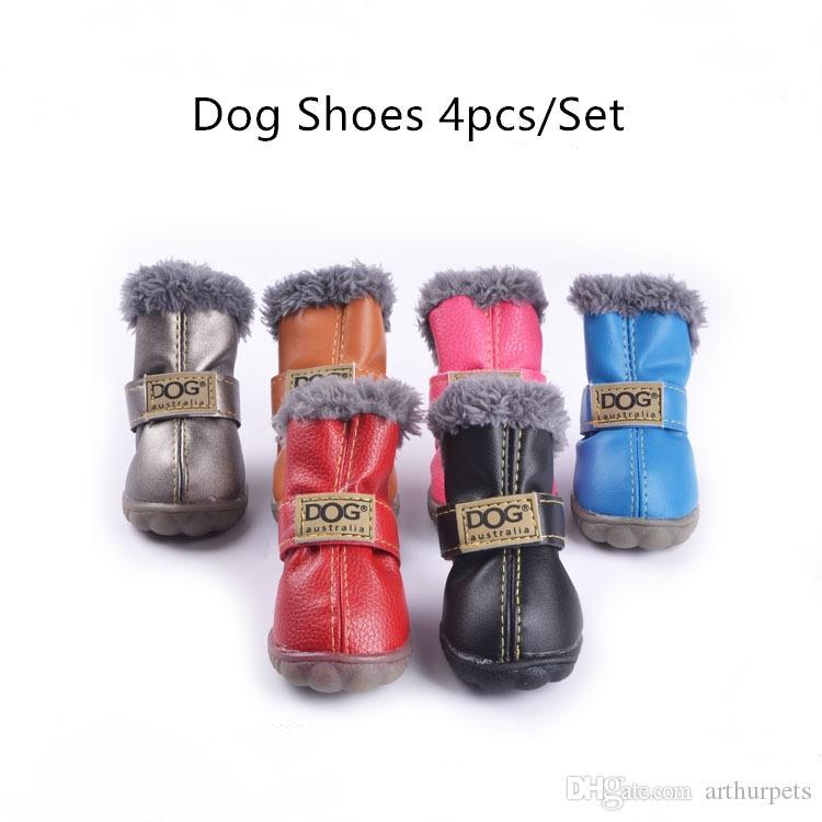 الكلاب الصغيرة 4 قطعة / المجموعة الكلب الأحذية الدافئة شتاء pet تشيهواهوا ماء أحذية الثلوج في جرو الزي مكافحة انزلق
