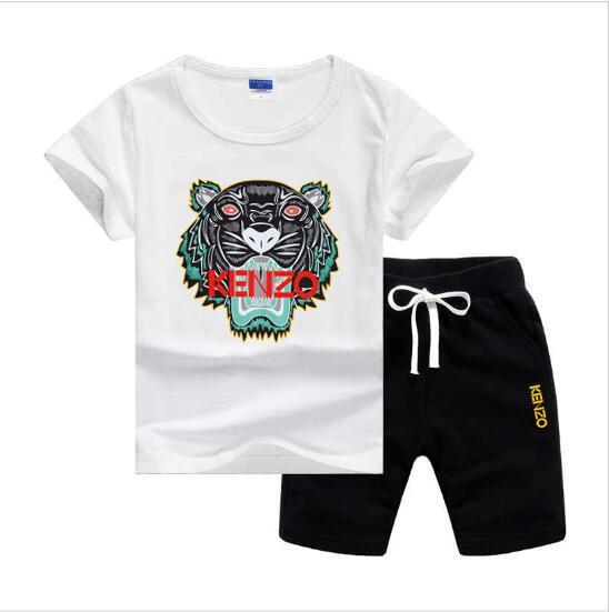 t-shirt pantaloni Primavera Estate di lusso del progettista del neonato di due anni piec 2-7T Olde 2pcs dei bambini di marca scherza il vestito di cotone Set abbigliamento
