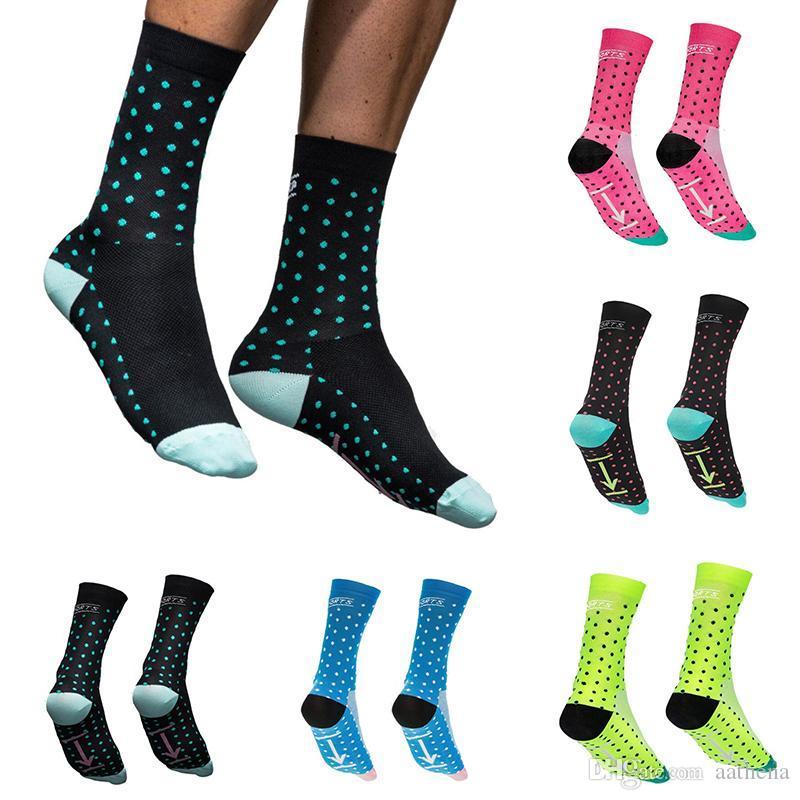 Multicolor Professional respirant antidérapante évacue l'humidité Chaussettes de sport Cyclisme Vélo Basket Running chaussettes de sport sur la vente