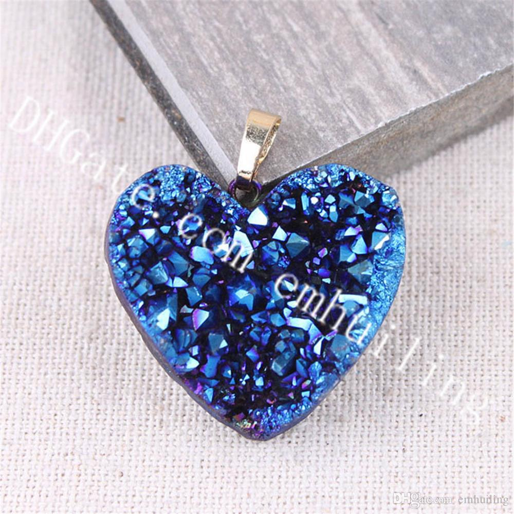 10Pcs 20-25mm Small Mystic Titanium Coated Druzy Heart Pendant Gold Plated Edge Dyed Color Drusy Agate Pendants Charm Quartz Crystal Geode