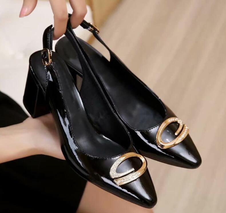 [Orignal Caixa] Chegada Nova Womens Slingbacks diamante saltos altos 5.8cm Sandálias de Verão Sapatos PATENTE 35-40