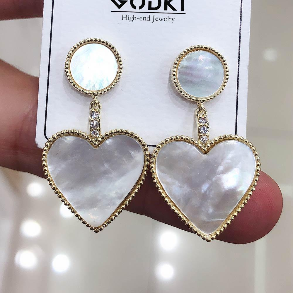 Nuovi all'ingrosso di fascini del cuore di Shell ciondolano orecchino d'avanguardia cubico zircone nozze Festa di fidanzamento Dubai Gold Orecchini per le donne 2019