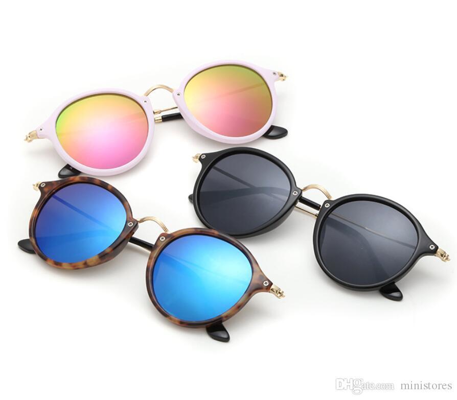 Clássico de moda óculos de sol redondos Homens Mulheres Designer Metal Frame Óculos Marca óculos de sol fêmeas 2447 Shades com Cases