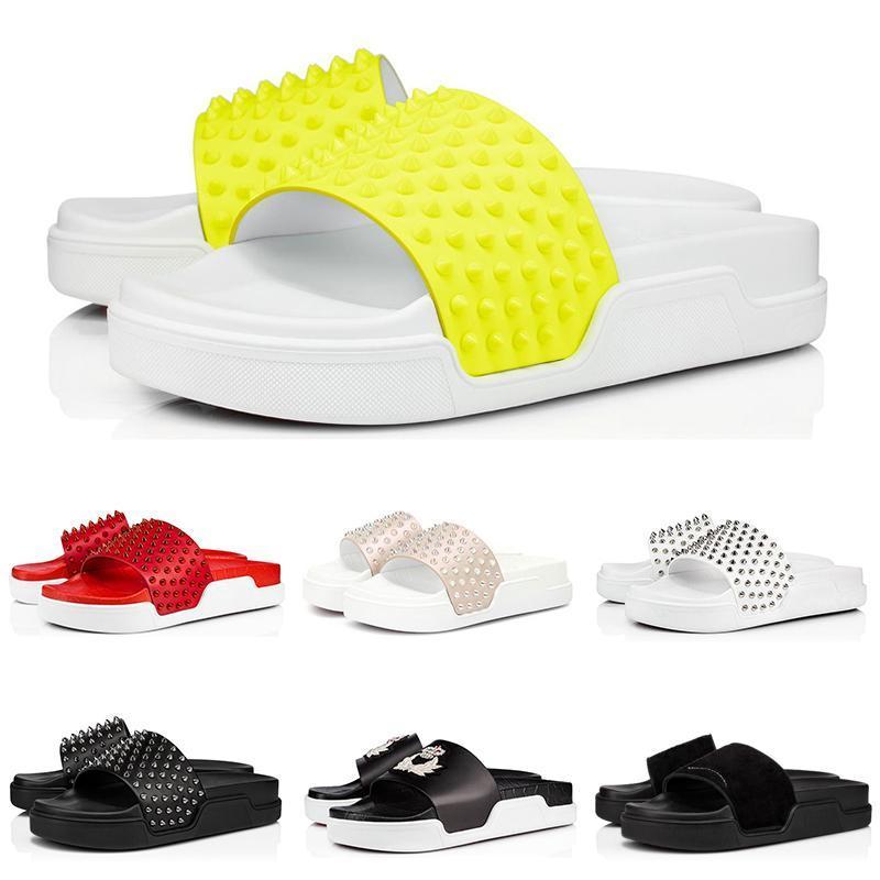 2020 NOVO Fashion Designer Chinelos Red Bottoms Sandals Spikes Piscina Fun embelezado Studded Slides Mens Deslize Platform Casa com BOX