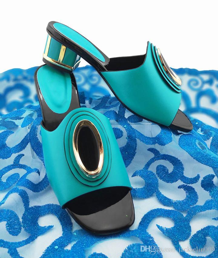 Céu agradável olhando azuis mulheres sapatos com decoração de metal senhoras africanas bombas para vestir QS1907, 5.5CM calcanhar