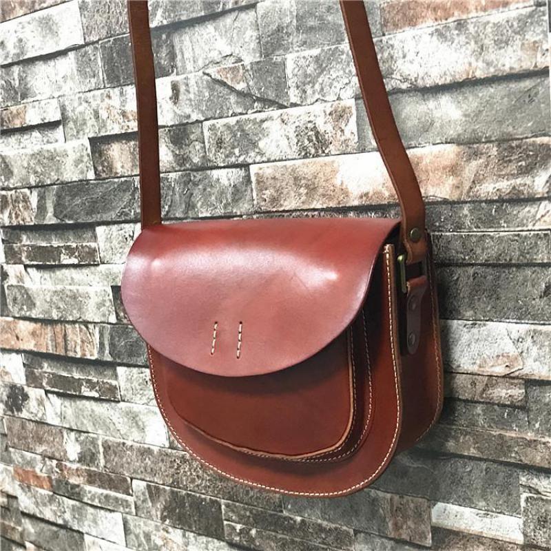 Johnature simple cuir de vache Femmes Sac 2020 Nouvelle main Sacs à bandoulière Vintage Solid Color Moraillon Messenger Bag en cuir de vache Petit