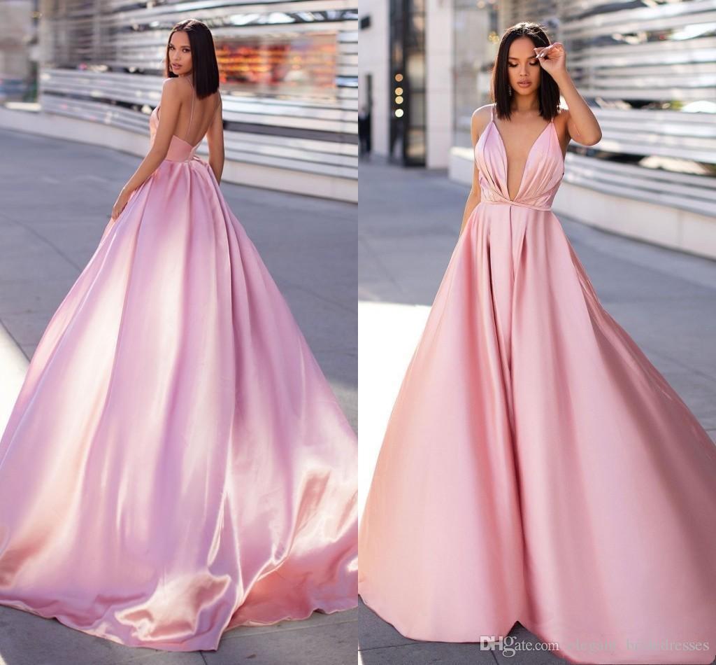 Robes De Soirée Rose Sexy Retour Dos 2019 Simple Conçu Une Ligne Spaghetti Strap Longue Satin Robes De Bal Celebrity Pageant Porte Pas Cher