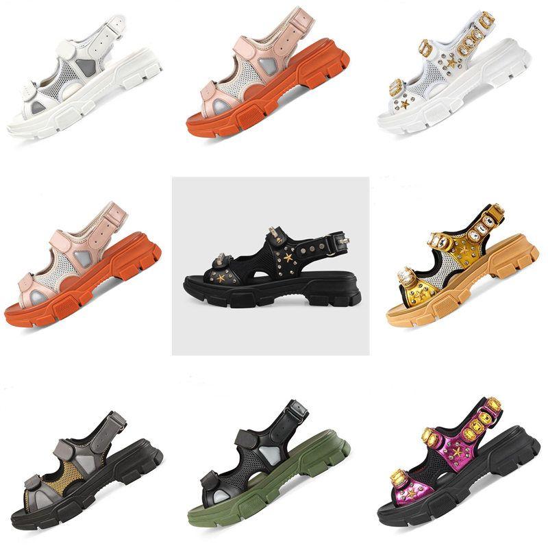 2019 rivetto Designer uomini e le donne dei sandali casuali del cuoio moda da spiaggia all'aperto paio di uomini e donne scarpe di diamanti sandali sportivi di lusso