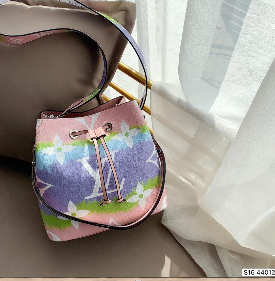 sacs à bandoulière de haute qualité pour le sac en cuir de sacs de femmes sacs de la Croix-sacs de créateurs de corps d'embrayage Ladies message portefeuilles balises bourse .045
