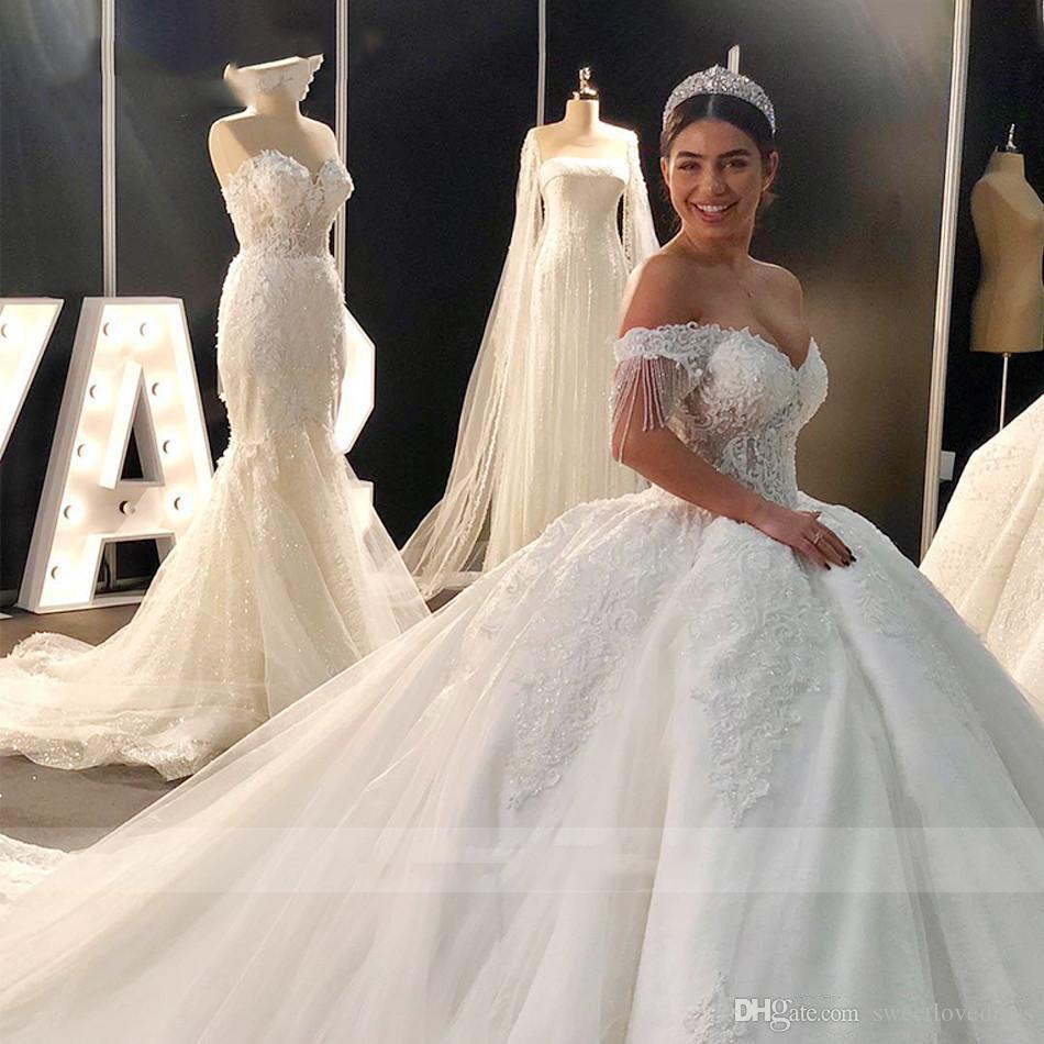 VESTIDO DE NOVIA 2019 Abito da sposa di lusso Abito da sposa in rilievo Cap Manica Appliqued Sweetheart Royal Train Princess Dubai Abiti da sposa araba