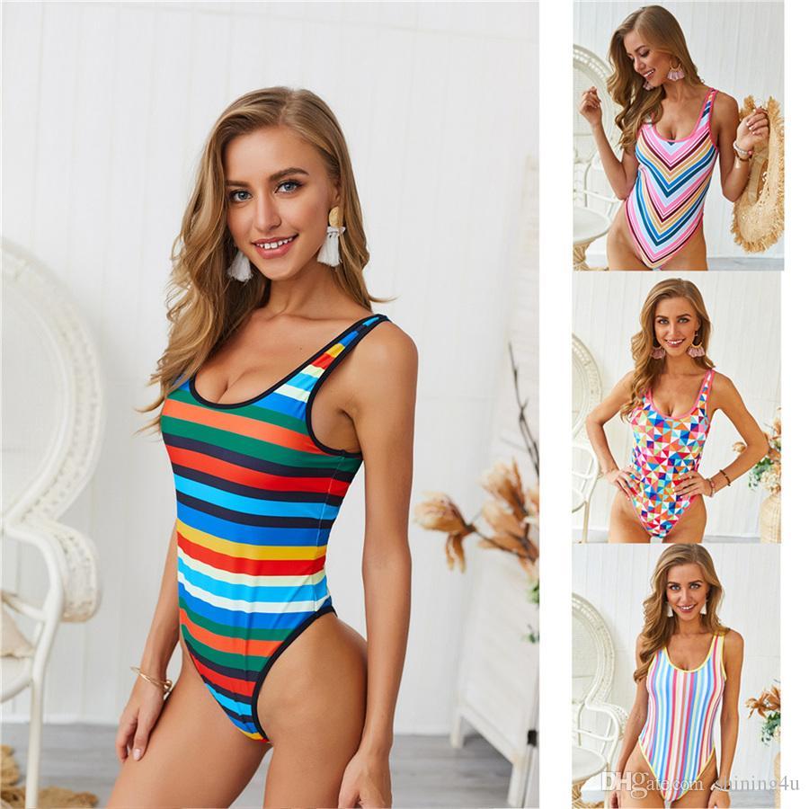 Femmes Matériel de natation Lady Couleur de contraste Monokini Femme Col Rond Vêtements de sport nautique Femmes Maillot de bain Imprimé Rayé One Piece Suits