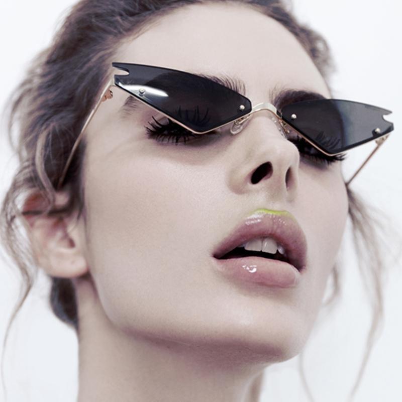2019 nuovi occhiali da sole sexy svegli occhiali da sole cat eye retrò donne triangolo in metallo vintage Cateye freddo marchio femminile occhiali da sole
