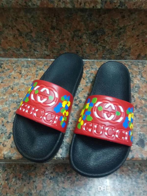 İtalya Marka Sandalet Klasik Terlik Çizgili Tasarımcı Terlik Nedensel Slayt Huaraches Flop Loafers çizikleri Boots çevirin