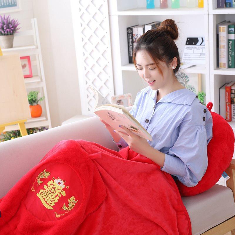 KW Ano Novo Chinês presente Pig Mascot Zhao cai Zhu Almofada Cobertor Ar Condicionado Blanket Plush Toy para o Office preguiçoso