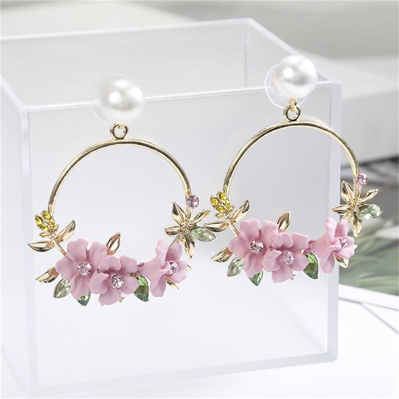 2020 koreanische neue bunten Strass-Kranz-Bolzen-Ohrringe für Frauen Süße Blumen-Shell Kleine Cirlce Brincos Geschenk