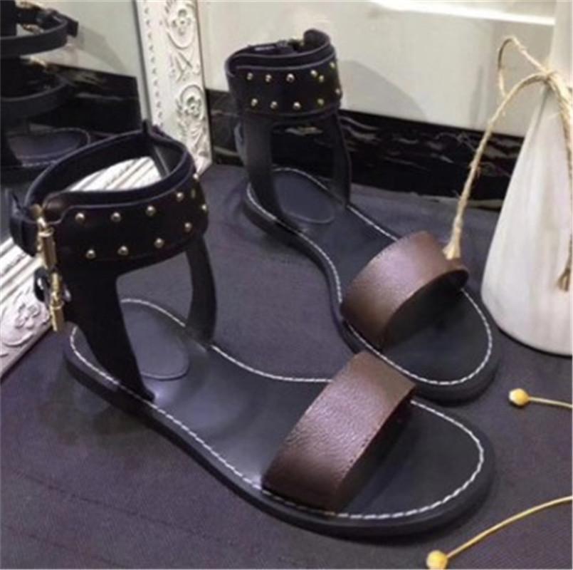 여성 디자이너 샌들 인기 더블 행 리벳 버클 여성 신발 Outsole 플랫 일반 샌들 올드 플라워 레터 슬라이드 크기 35-43 최신 최신