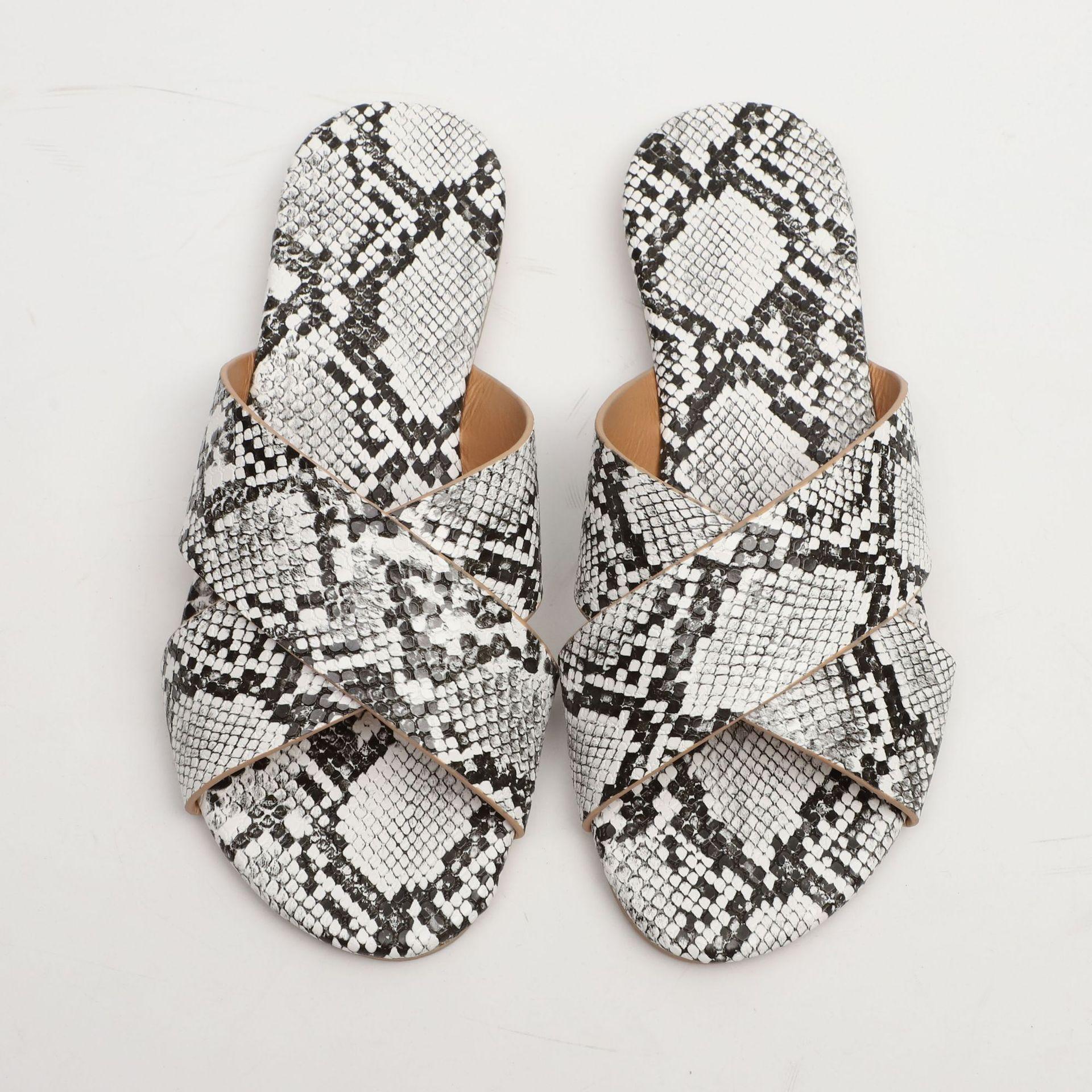 kutu sıcak marka Erkekler Plaj Slide Sandalet Yılan Modeli 2017 Terlik beyaz Plaj Moda tasarımcısı sandalet 36-42'de slip-on ile