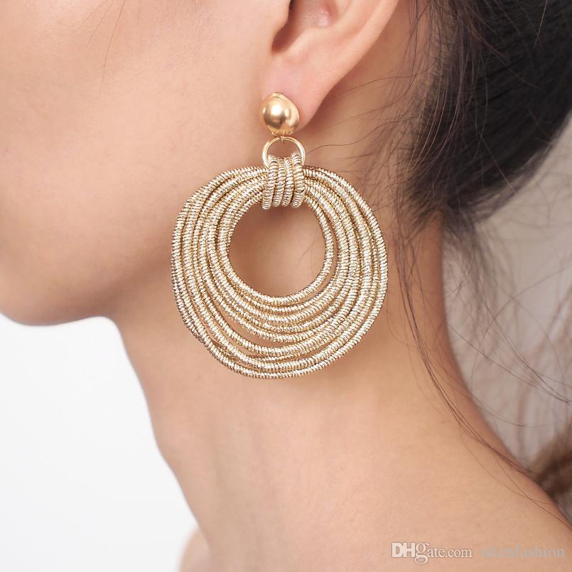 Orecchini pendenti in metallo multistrato a forma di ciondolo vintage da donna