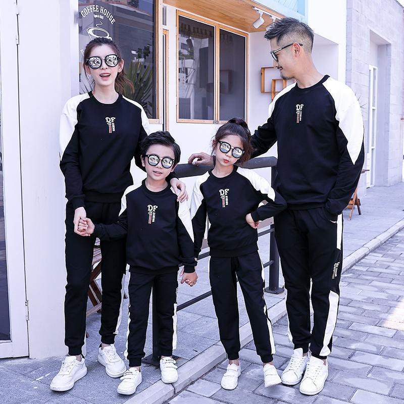 Mom Dad Daughter Son Sports Clothing Sets Mother Father Kids Boy Girls Jumper + Pants Suits 2020 Kids Tracksuit Family Match Outfits S657