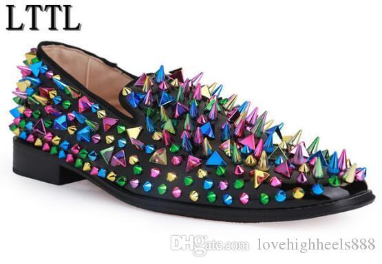 Top Fashion Colorido Cravado Homens Mocassins Sapatos Sapatos de Casamento de Alta Qualidade Deslizamento em Rebites Homens Sapatos de Condução Mocassins