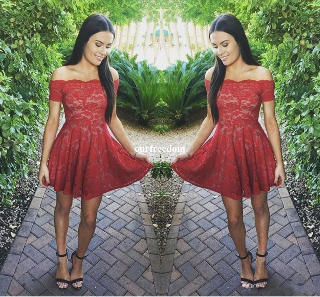 2018 neue kurze rote Spitze Abiballkleider Modest weg von der Schulter mit kurzen Ärmeln volle Spitze Junior Bonbon-16-Abschluss-Kleider Cocktailkleider