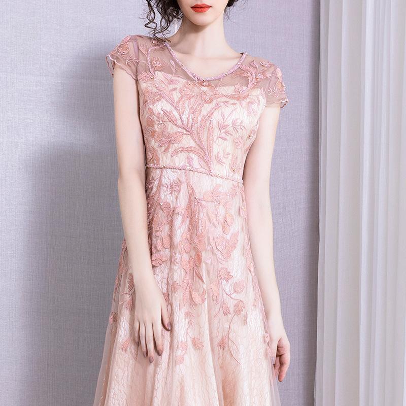 2020 Sexy V-образным вырезом вышивки Алмазная сетка Платье длинное платье Женские юбки Одежда Женщины Конструктор лето Платья женские Robe Vestidos De Noche