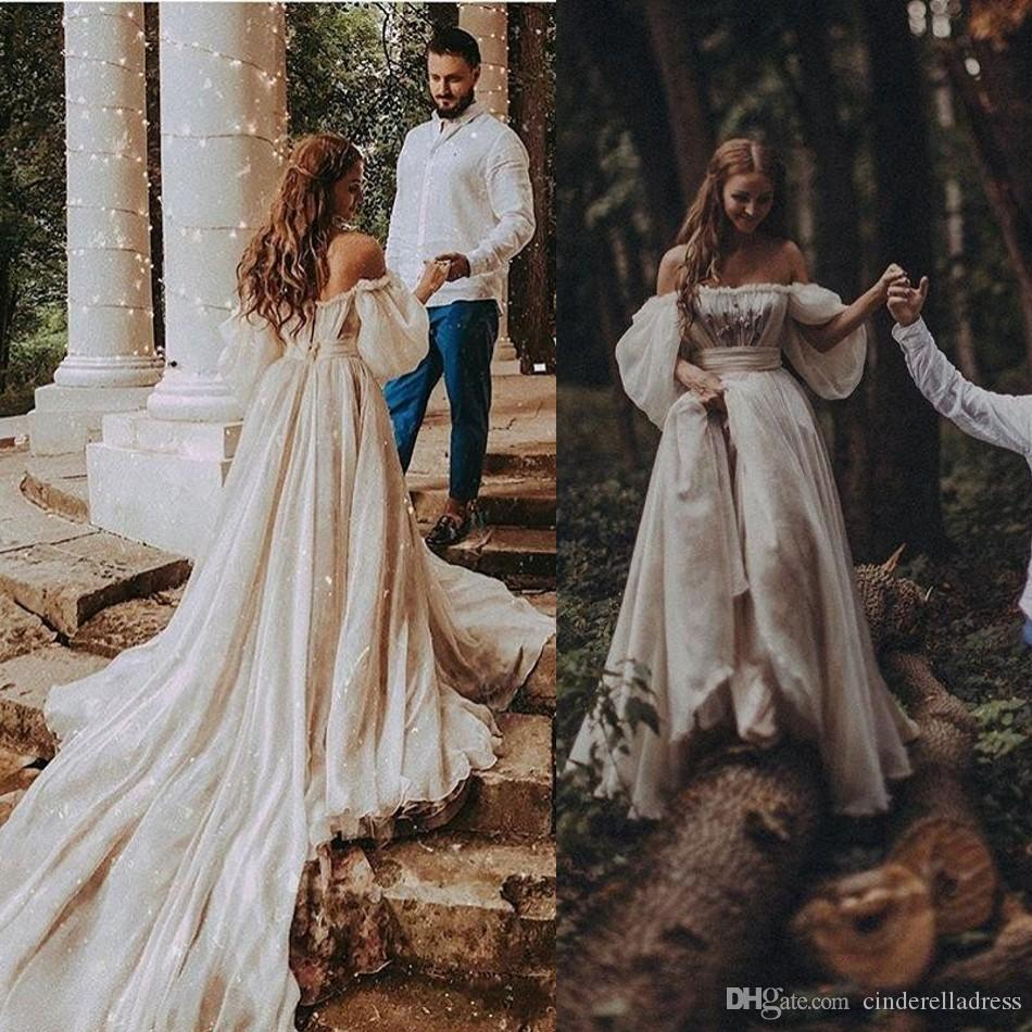 2020 Bohemian Wedding Dresses Sexy Off Shoulder Puff Sleeve Beach Bridal Gowns Long Train Rustic Country Wedding Gowns Hippie