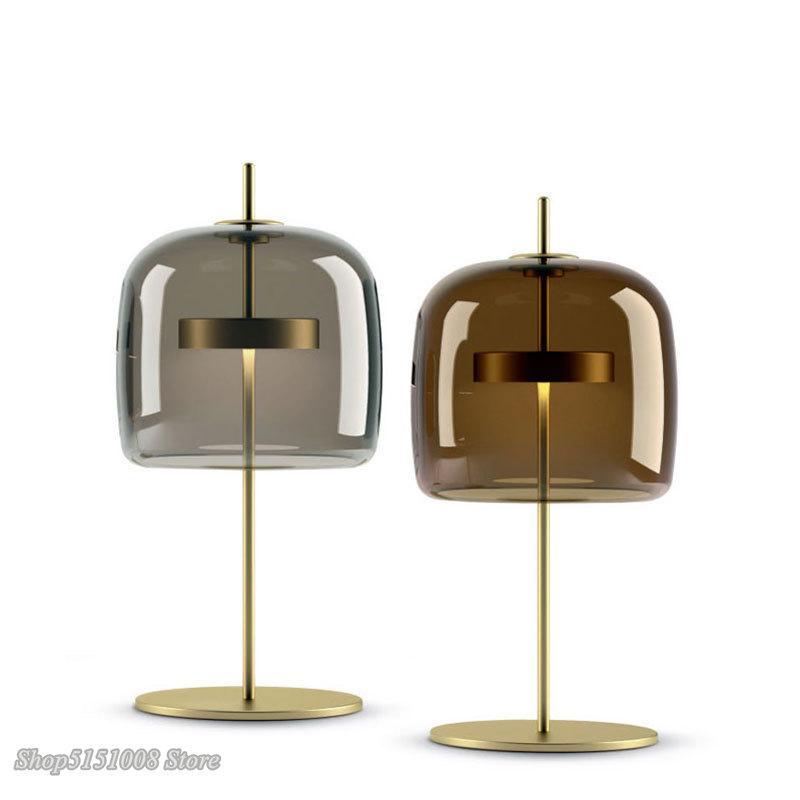 Nordic Moderne LED-Schreibtischlampen Einfache Bibliothek Wohnzimmer Schlafzimmer Nacht Schreibtisch Lights Kreative Designer Glass Tischlampen-Dekor