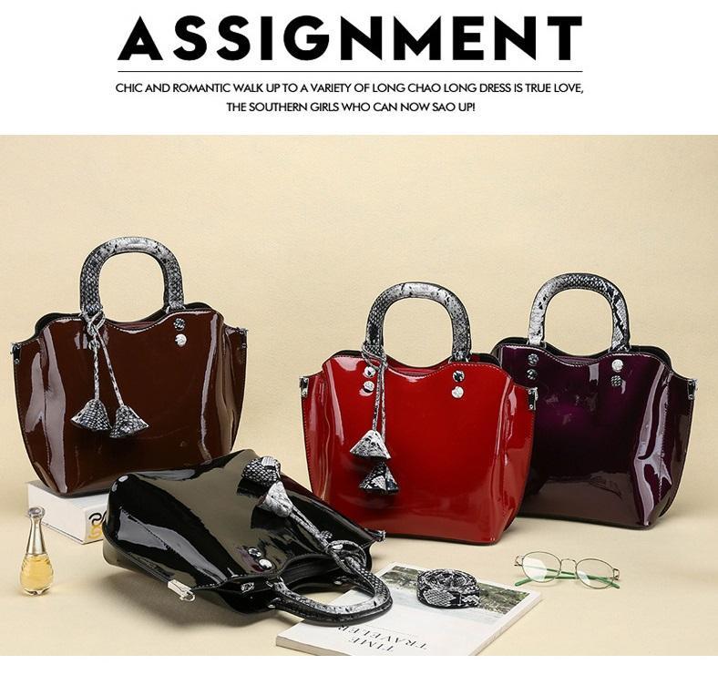 Moda bayan tasarım çanta Avrupa ve Amerikan rüzgar yılan desen iki parçalı bayan çanta çiçekler püskül omuz çantası toptan