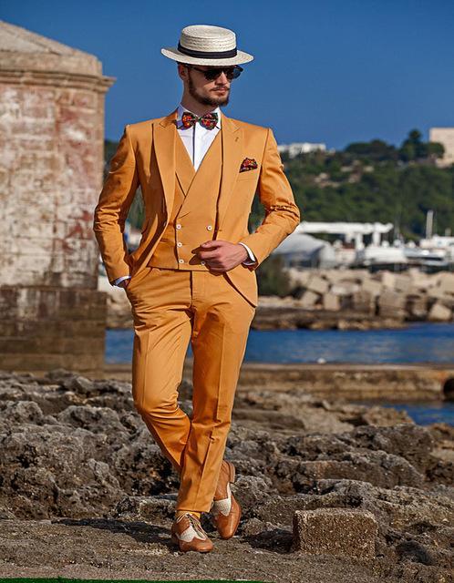 Trajes de baile anaranjados Trajes de novio de solapa pico Novios de padrino El mejor hombre para hombre Trajes de boda para hombre (chaqueta + pantalón + chaleco)
