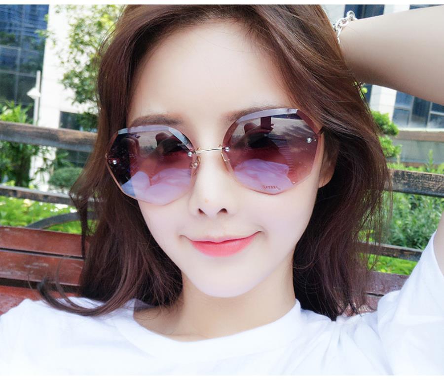 2020 di moda uomini uomo lunettes de soleil pour hommes delle donne Occhiali da sole donne di lusso del progettista degli occhiali da sole del progettista di personalità 2205