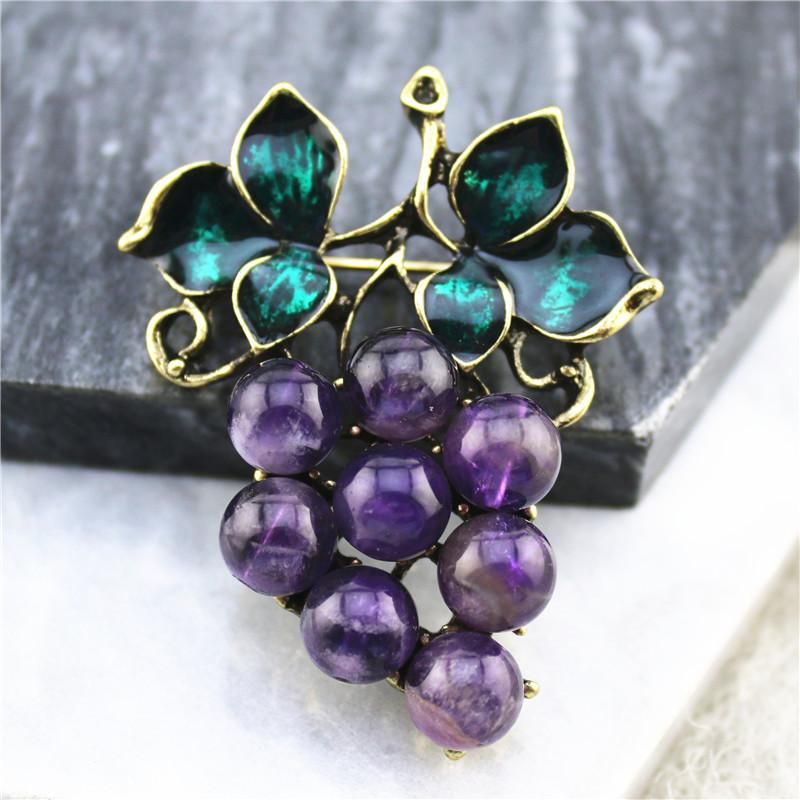 2020 fashion new electroplated ancient gold inlaid green stone grape brooch fashion brooch