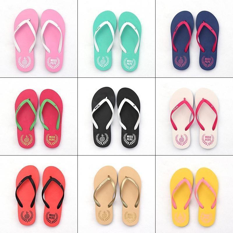 Çinli karakter sürükleme kız yaz moda terlik erkek kaymaz severler düz dipli öğrenciler basit aşınma plaj sandalet sandalet moda
