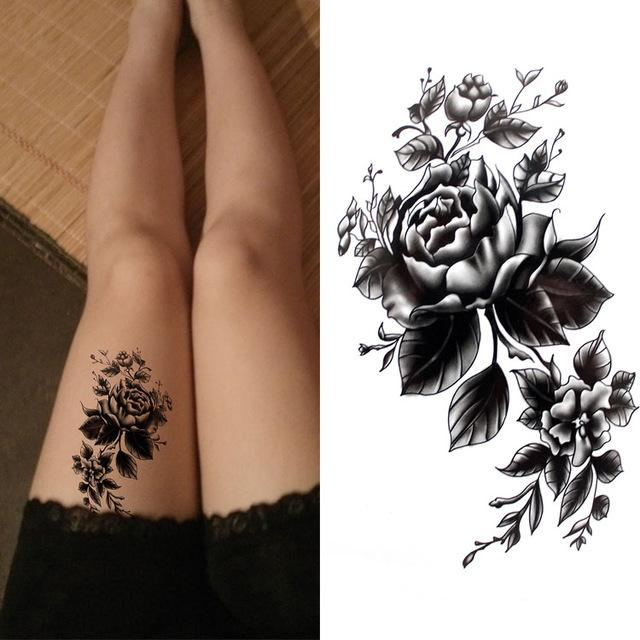 Siyah büyük çiçek Beden Sanatı su geçirmez Geçici Seksi uyluk dövmeler Kadın Flaş Dövme çıkartması için gül 10 * 20cm
