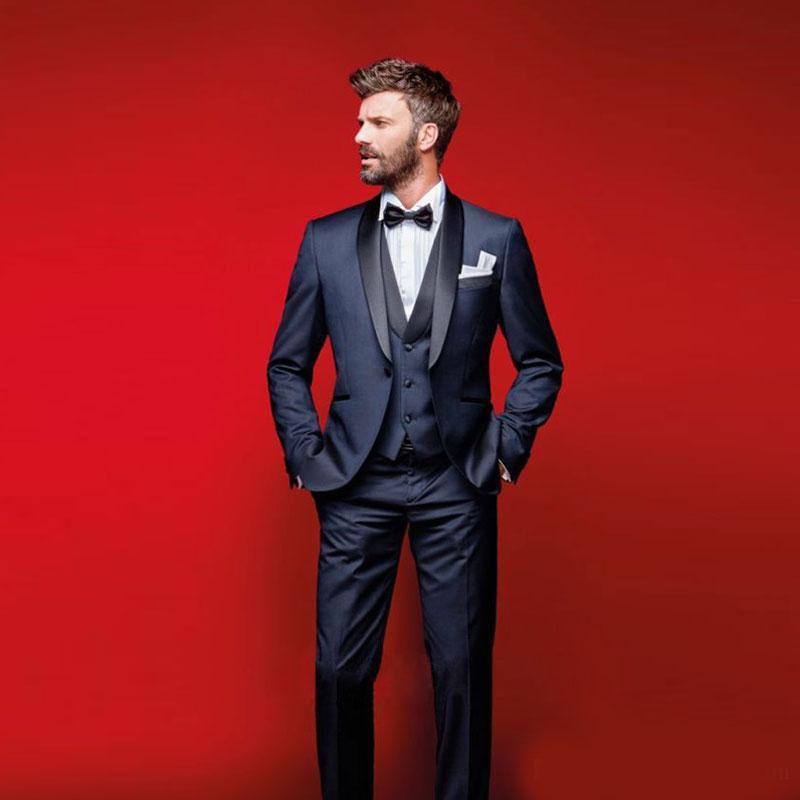 Elegantes azul marino, esmoquin de boda, trajes ajustados para hombres, padrinos de boda, traje de tres piezas, trajes de baile baratos (trajes + chalecos + chaleco + pajarita)
