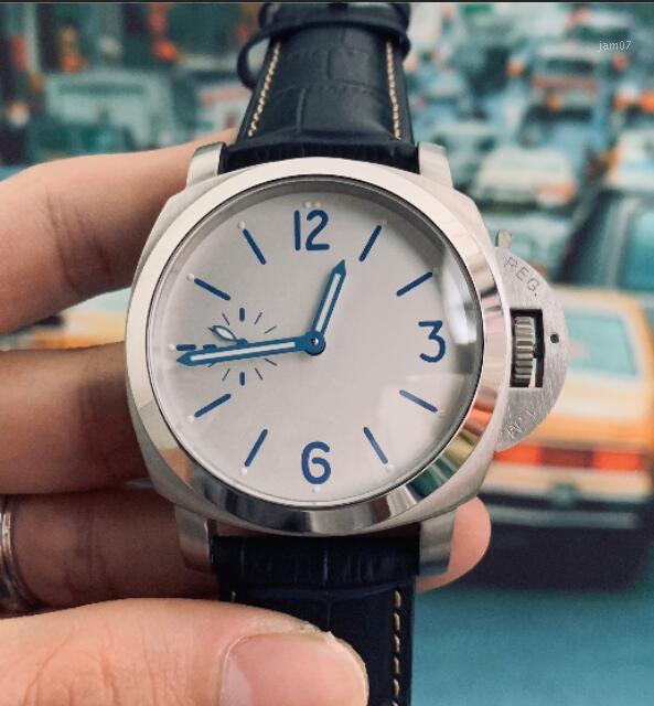 Luxus Herrenuhr Automatikwerk 44mm Leder Band wasserdichte Armbanduhr-316L Uhrgehäuse Armbanduhr Klassische Uhren für Men1