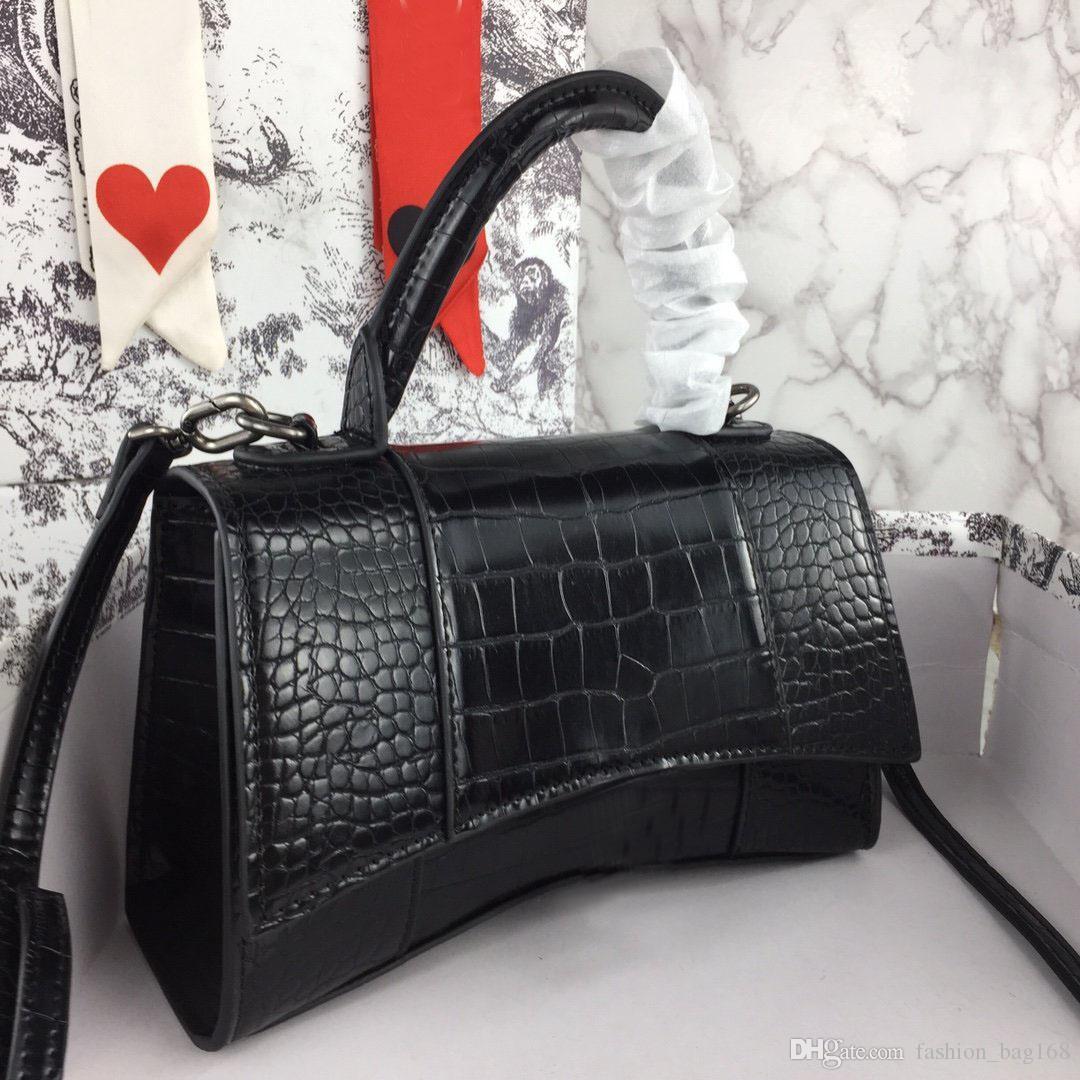 Moda Lüks Bayan Tasarımcı Çanta Deri inek derisi Yüksek Kaliteli Kapak Çanta Zinciri Messenger Çanta Omuz Çantaları Cüzdan Kıvrımlı Çanta