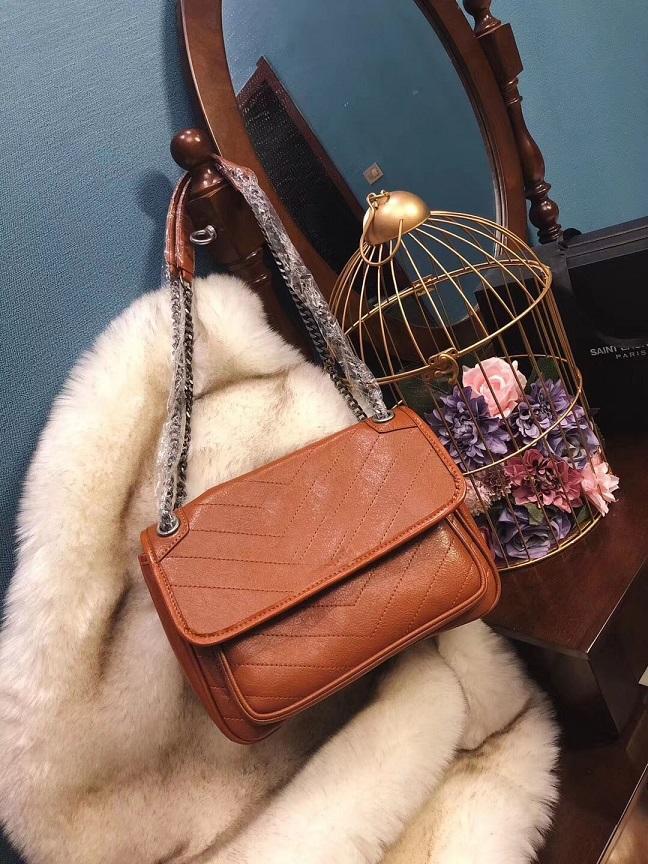 Бесплатная доставка 2018 высокое качество женщины кошелек клатч 28 см известный рюкзак дизайнеры рюкзак Женщины Повседневная сумка четыре цвета сумка