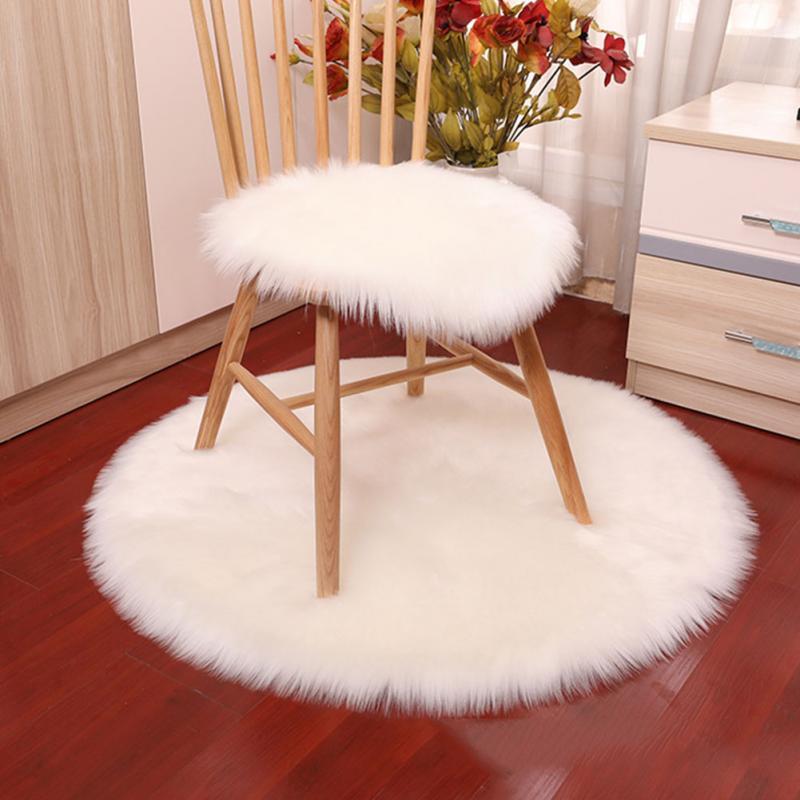 Super Soft imitation peau de mouton lavable Tapis chaud Coussin de siège Poilu Tapis moelleux Faux Tapis fourrure sol Chaises Canapés Coussin