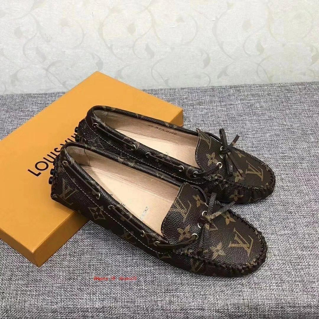 2019 وجديد حار حذاء رياضة سيدة نغمتين المطاط وحيد تنفس سبورات عارضة الأزياء والأحذية بالنسبة للنساء الأخفاف