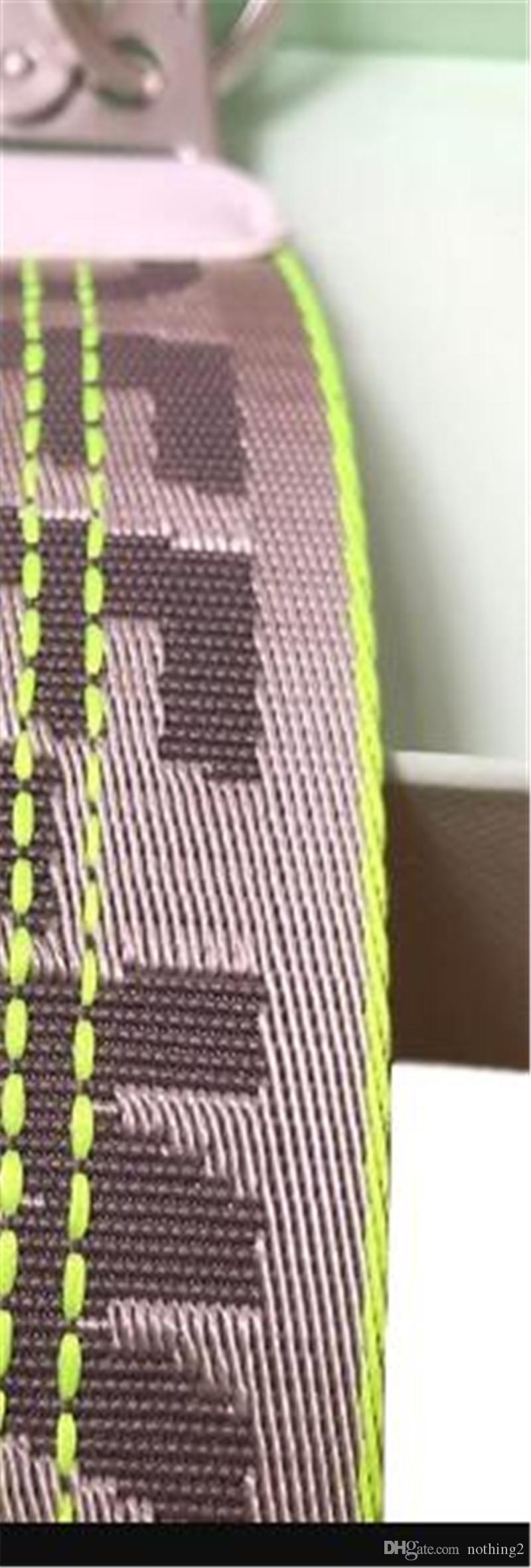 diseñador de los hombres y las mujeres Off LLAVERO LLAVERO de cuero de metal plateado hebilla decorativa envío libre de Keychain
